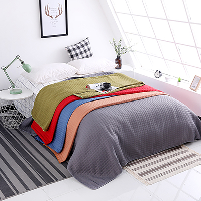 Wholesale cheap price classic geometric pattern design polyester bedspread